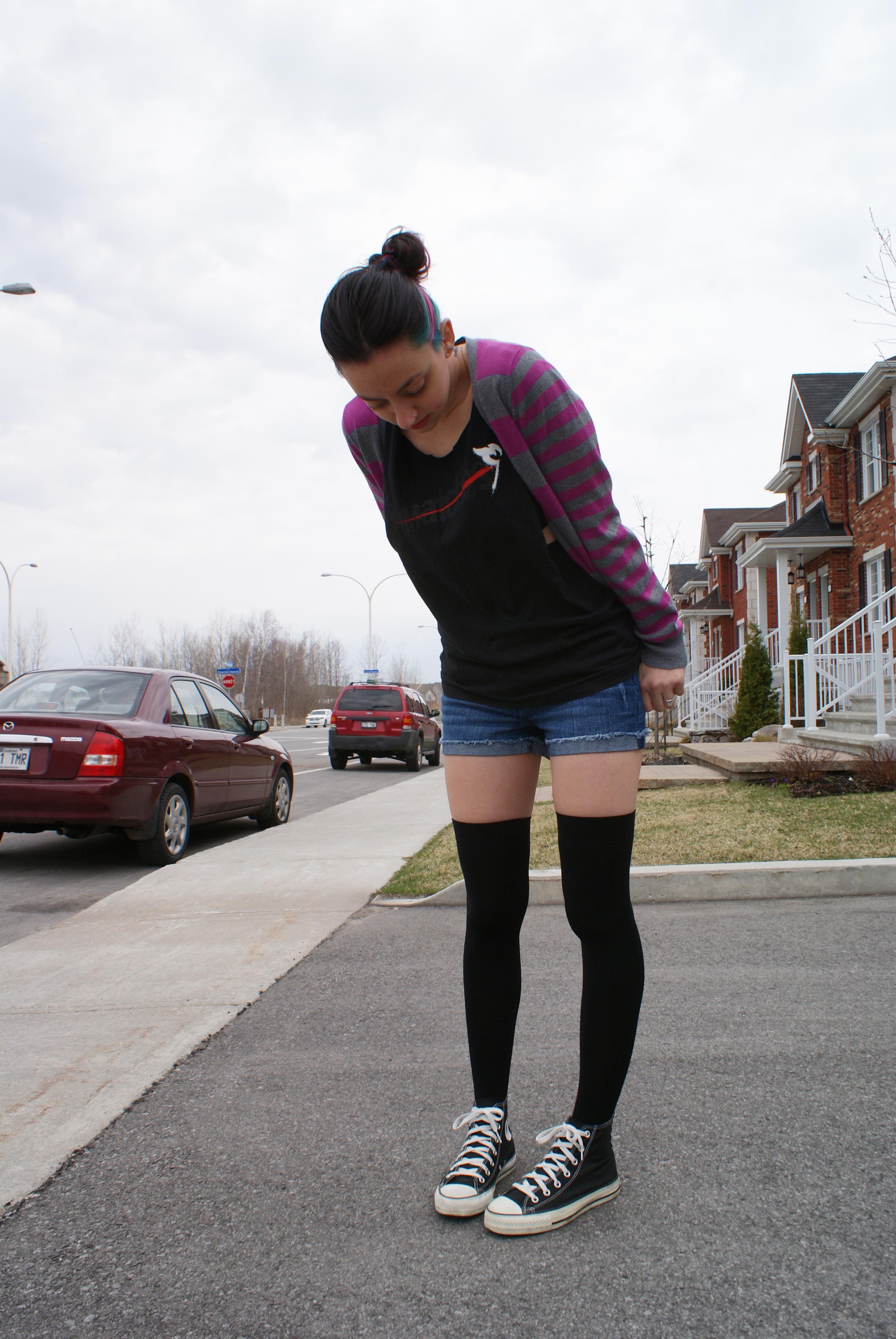 emo-converse-knee-high-socks-xxx-deep-pusie-fisting